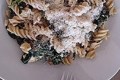 Pasta mit Champignon-Spinat-Käse-Sauce 14