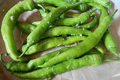 Peperoni im Ofen oder auf dem Grill gebacken 3