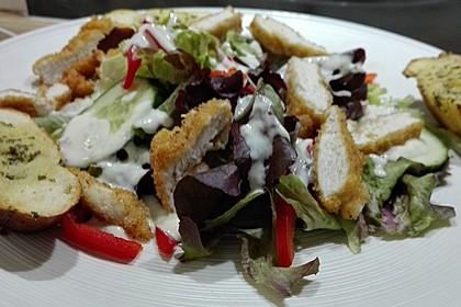 Blattsalate mit Hähnchenstreifen und cremigem Heidelbeerdressing 15