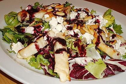 Blattsalate mit Hähnchenstreifen und cremigem Heidelbeerdressing 11