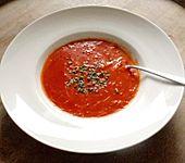 Tomatensuppe mit Fadennudeln (Bild)