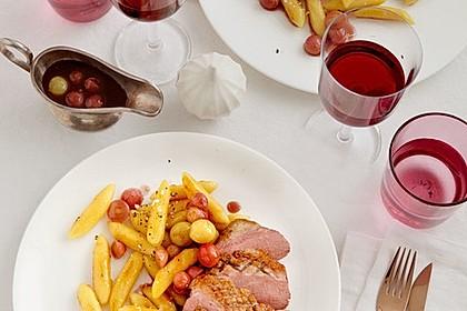 Entenbrust an Schupfnudeln mit Trauben - Cassis - Sauce 2