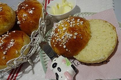Finnische kleine süße Brötchen (Pikkupullat) 6