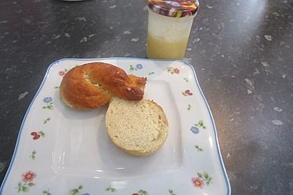 Finnische kleine süße Brötchen (Pikkupullat) 4
