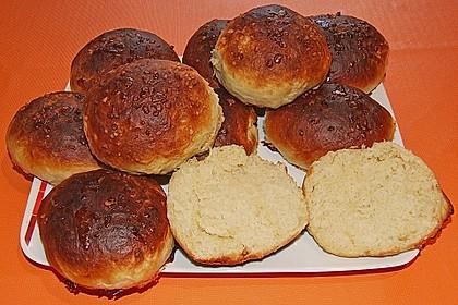 Finnische kleine süße Brötchen (Pikkupullat) 25