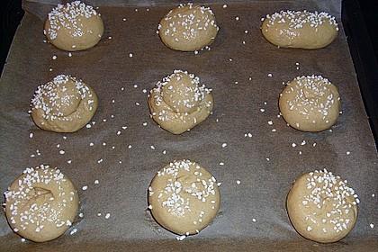 Finnische kleine süße Brötchen (Pikkupullat) 40