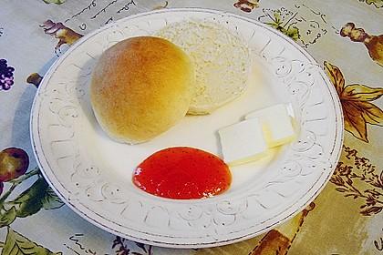 Finnische kleine süße Brötchen (Pikkupullat) 12