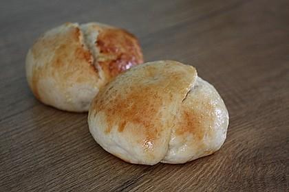 Finnische kleine süße Brötchen (Pikkupullat) 21