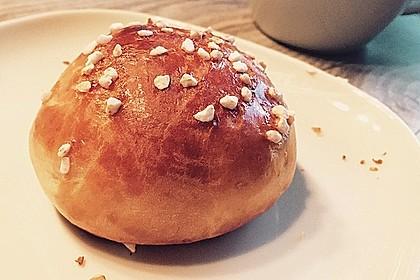 Finnische kleine süße Brötchen (Pikkupullat) 17