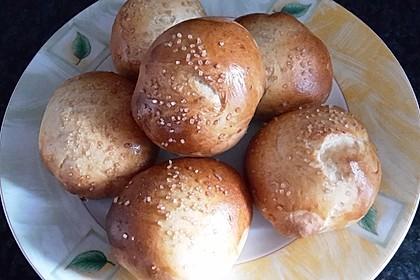 Finnische kleine süße Brötchen (Pikkupullat) 15