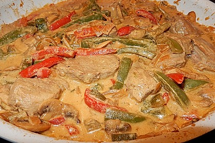 Schweinefilet in Paprika - Sahne Soße 4