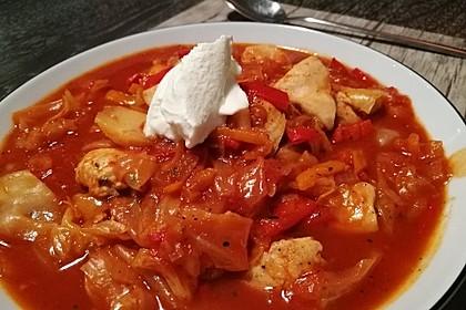 krümeltigers Spitzkohleintopf mit Paprika und Hühnerbrust