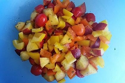 Paprika-Pfirsich-Salat 12