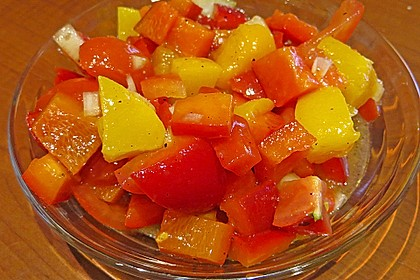 Paprika-Pfirsich-Salat 4