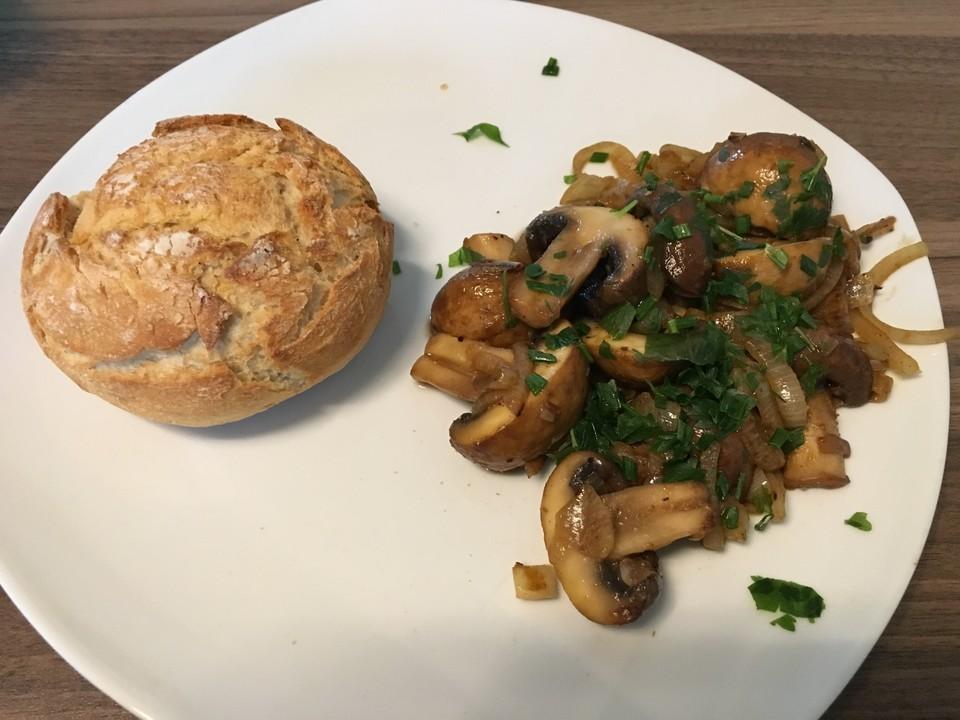 Frische Champignons Mit Zwiebeln Gebraten Von Rosenmarilis Chefkoch