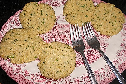 Couscous-Bratlinge mit Käse 83