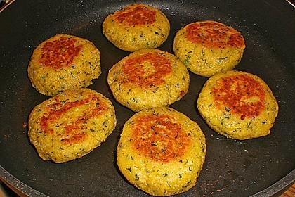 Couscous-Bratlinge mit Käse 18