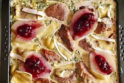 Schweinefilet-Gnocchi-Birnen-Preiselbeer-Brie-Gratin 7