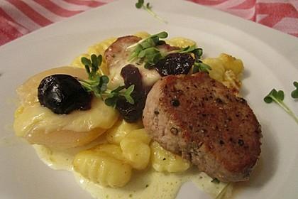 Schweinefilet-Gnocchi-Birnen-Preiselbeer-Brie-Gratin 3