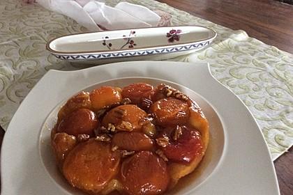 Tarte tatin aux abricots et lavande (Bild)