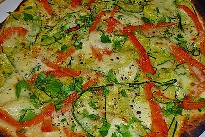 Fladenbrote mit mariniertem Gemüse und gegrilltem Mozzarella
