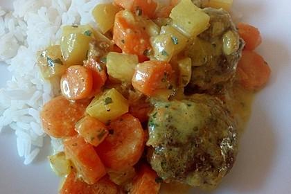 Hackbällchen in Möhren-Currysoße 31