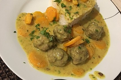 Hackbällchen in Möhren-Currysoße 38