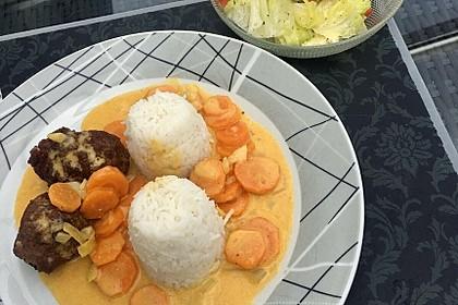 Hackbällchen in Möhren-Currysoße 27
