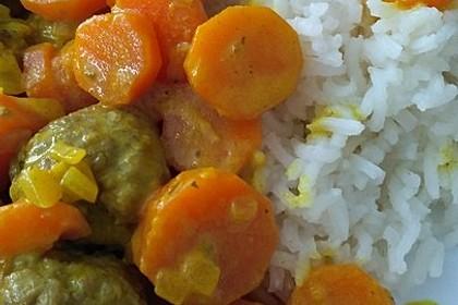 Hackbällchen in Möhren-Currysoße 48