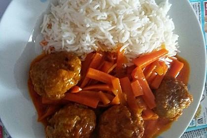 Hackbällchen in Möhren-Currysoße 42