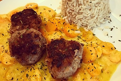 Hackbällchen in Möhren-Currysoße 30