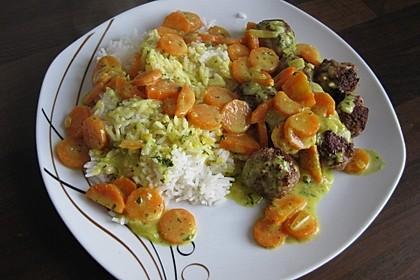 Hackbällchen in Möhren-Currysoße 32