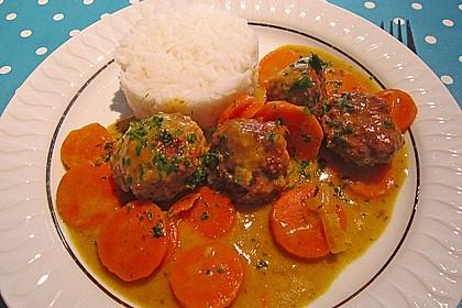 Hackbällchen in Möhren-Currysoße 3