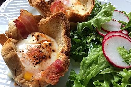 Gebackene Toast-Muffins mit Ei und Speck 12
