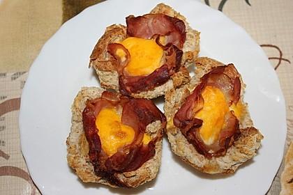 Gebackene Toast-Muffins mit Ei und Speck 45