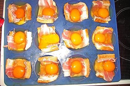 Gebackene Toast-Muffins mit Ei und Speck 50