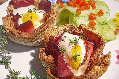 Gebackene Toast-Muffins mit Ei und Speck 5