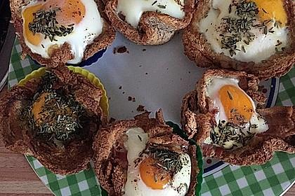 Gebackene Toast-Muffins mit Ei und Speck 34