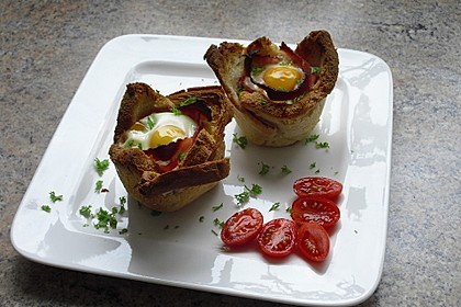 Gebackene Toast-Muffins mit Ei und Speck 10