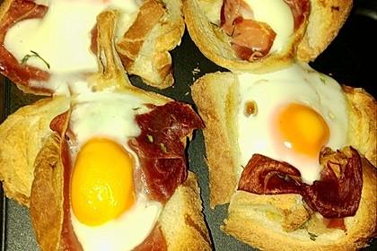 Gebackene Toast-Muffins mit Ei und Speck 42