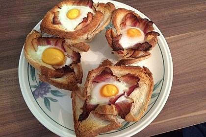 Gebackene Toast-Muffins mit Ei und Speck 30