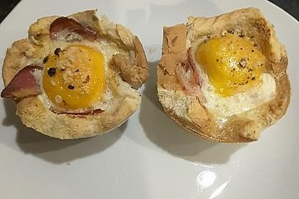 Gebackene Toast-Muffins mit Ei und Speck 43