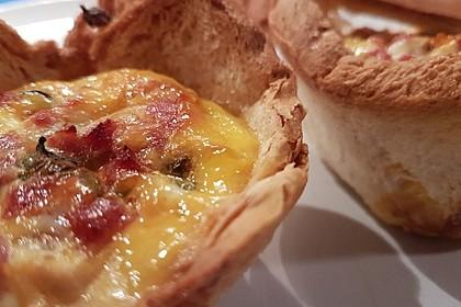 Gebackene Toast-Muffins mit Ei und Speck 48
