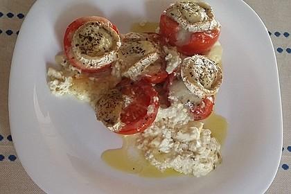 Gegrillter Schafskäse mit Knoblauchtomaten 16