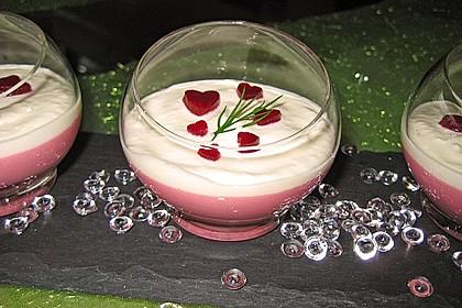 Rote Bete-Panna Cotta mit Meerrettichcreme-Topping 1