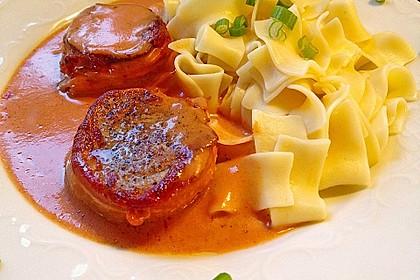 Schweinefilets mit Bacon und Tomatensahnesoße überbacken 1