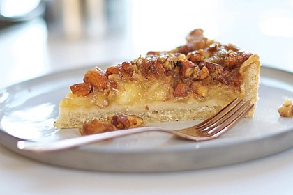 Apfelkuchen mit Mandel-Karamell-Kruste