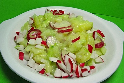 Kartoffel-Radieschen Salat mit Salatgurke und Kräutern 7