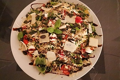 Mediterraner Nudelsalat mit Rucola und Zitronendressing 2