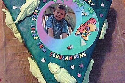 Schulanfangs-Zuckertüten-Torte 3